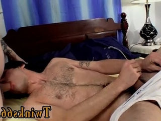 Gay skater boy in white hat and green shirt fuck Hes demonstrating | boys   fucking   gays tube   pissing   skater   white