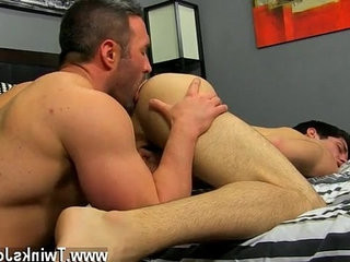 Naked guys He gets on his knees and deep throats Brocks meatpipe | getting  naked  trimmed